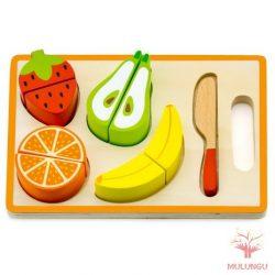 Szeletelhető gyümölcsök tálcán